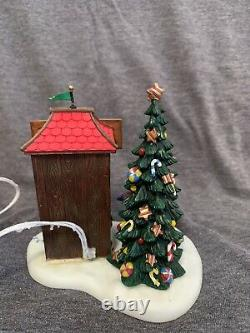 DEPT 56 NORTH POLE VILLAGE CANDY CANE SHACK Perfect condition