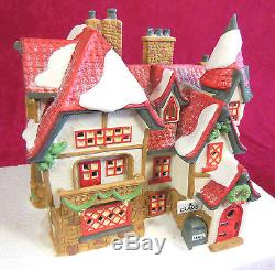 DEPT 56 NORTH POLE VILLAGE COLLECTION #1, QTY 31 ITEMS, VERY GOOD CONDITION