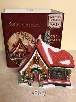 DEPT 56 NORTH POLE Village THE MAGIC OF CHRISTMAS (Elf Bunkhouse) Bunk House
