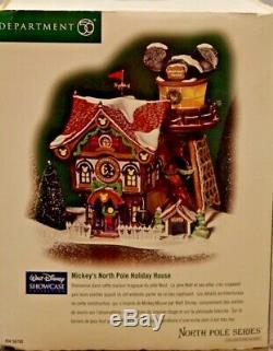 DEPT 56 North Pole Mickey's Holiday House Walt Disney Showcase Christmas Village