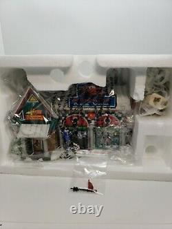 Department 56 North Pole Village Cars Holiday Detail Shop House #4025277 New
