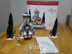 Dept 56 56734 Santa Sleigh Launch Reindeer Ride Elf Christmas North Pole Village