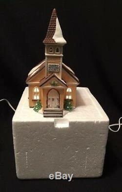 Dept 56 CHRISTMAS VILLAGE LOT 7 Pcs NORTH POLE & NEW ENGLAND Series 1995 SANTA