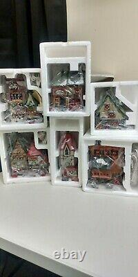 Dept. 56 Christmas Village Heritage Collection North Pole Series Lot 17 Pcs