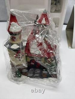 Dept 56 Heritage Village North Pole Series #56391 Route 1 Mr Mrs Clause Xmas JD