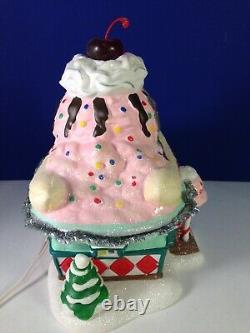 Dept 56 North Pole Village NANA SPLITS ICE CREAM PARLOR 4025283 Brand New! RARE