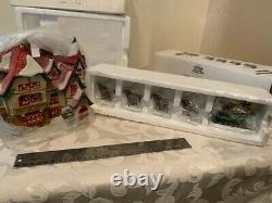 Dept 56 North Pole Village Santa's Workshop 56006 and Sleigh, 8 Reindeer 56111