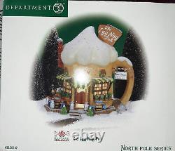 Dept 56 Retired, The Egg Nog Pub #56737, North Pole Series Lighted Village New
