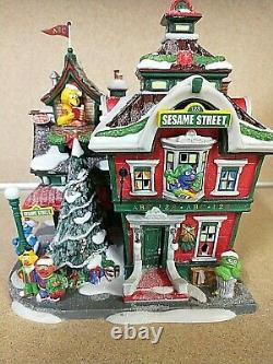 Dept 56 Sesame Street At The North Pole 56.56799. Euc All Accessories Intact