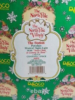 Enesco Musical Night Light THE STATION North Pole Village 424331 Sandi Zimnicki