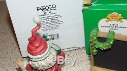Enesco North Pole Village 834408 Santa Teacher & 834432 Blackboard In Ob. M16