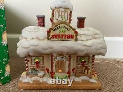 Enesco The North Pole Village The Station (HTF) #424331 Sandi Zimnicki