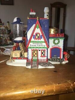 Lot of 16 figurines, Department 56 north pole series village