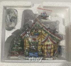 Mint Dept 56 MICKEYs Cratchits Cottage NORTH POLE SERIES VILLAGE DISNEY 56900