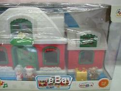 New! Fisher Price Little People CHRISTMAS SANTA'S NORTH POLE COTTAGE VILLAGE TRU