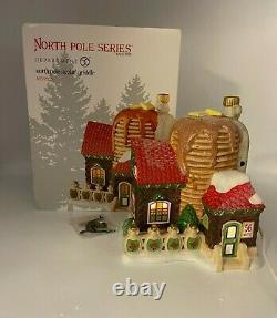 RARE Dept 56 North Pole Series NORTH POLE SIZZLIN' GRIDDLE 4050965 Village House